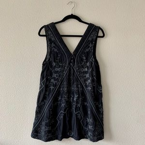 FREE PEOPLE/ Black Embroidered Tank Tunic